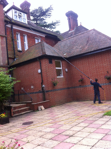 Contact Whitbreads Window Cleaning Services Fleet window cleaner Camberley